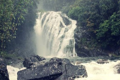 Have you ever seen Warnagala Falls like this?