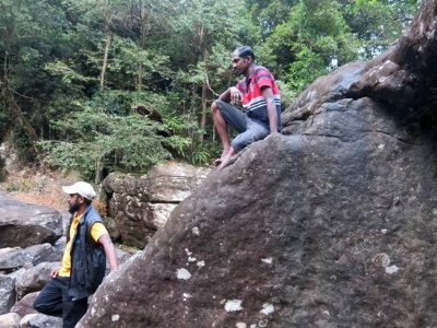 Our guides Suresh – Bottom and Kadol – Top (Photo Amila)