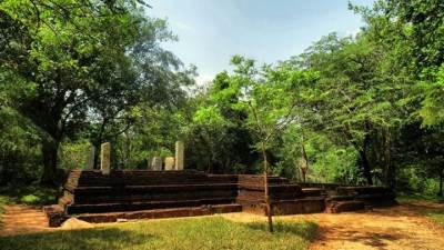 kovil in ruins