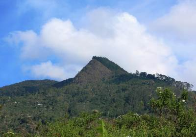 Idalgashinna Mountain- Photo taken on my way to Beragala