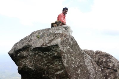 I am on top of බෙරය.