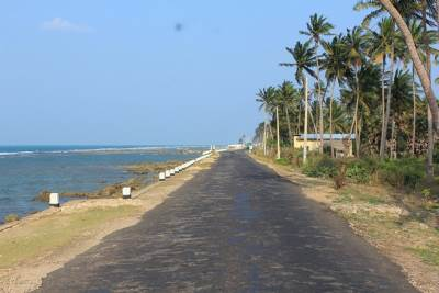 Coastal road along the northern shore