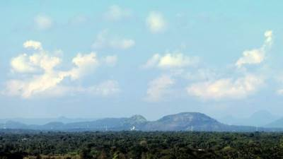 towards dambulla rock