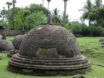 One of the bigger stupa