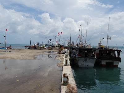 Few vessels at the jetty