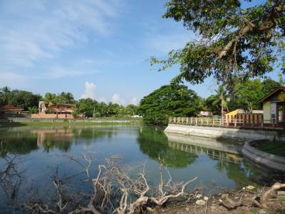 Another pond and kovil on Rakka Road