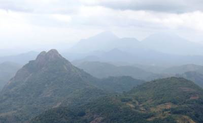 View of Arangala from Manikdena (මැණික්දෙන)