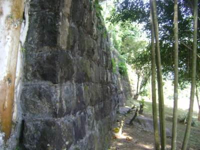 The side Rampart walls