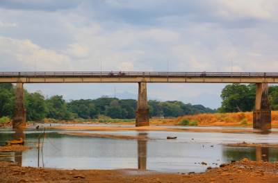 Mahiyangana Bridge over Mahaweli River