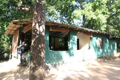 Warahana wild life office. Warahana camp site and Warahana bungalow are situated closer to this.